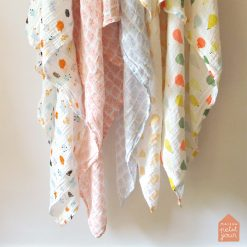 Kuviollinen sideharso vauvoille