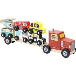 puinen rekka ja autoja