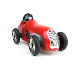 punainen puuauto